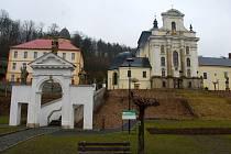 Fulnecký farní kostel Nejsvětější Trojice.