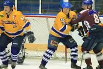 Hokejová exhibice, která se konala u příležitosti jmenování kopřivnického odchovance Stanislava Hajduška do síně slávy sparťanských legend, se náramně povedla a diváci mohli vidět řadu hvězd nedávné minulosti.