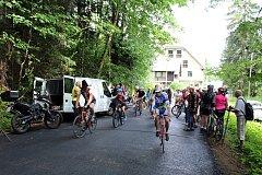 Knížecí cestu z Trojanovic-Ráztoky na Pustevny v sobotu otevřeli po celkové opravě zástupci Trojanovic, Moravskoslezského kraje, cyklisté i turisté.