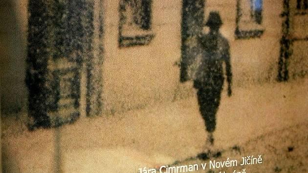 Ani v Novém Jičíně se nepodařilo odhalit tvář Járy Cimrmana.