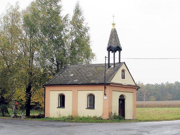 Kapličku na Nových Dvorech zřejmě čekají ještě zajímavé časy.