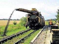 Opravné práce na železniční trati v úseku mezi Studénkou a Bílovcem se naplno rozjely v uplynulém týdnu.