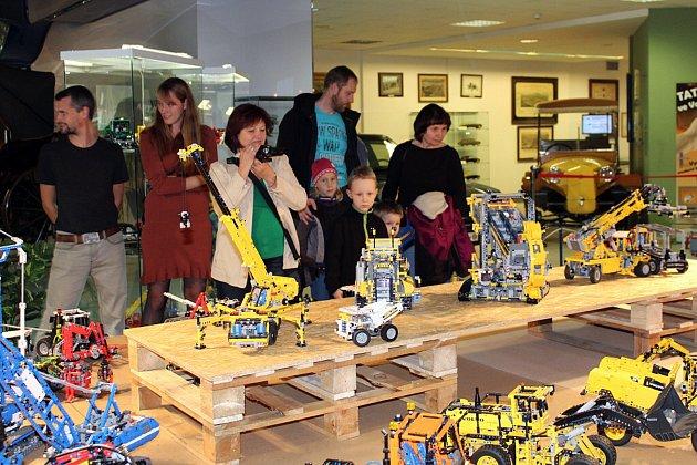 Svět kostiček se jmenuje výstava, která začala v pátek 13. října v technickém muzeu Tatra Kopřivnice.