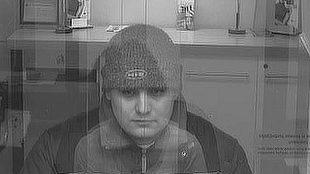 Tak to vypadá tvář muže, který včera dopoledne přepadl pobočku Komerční banky v Příboře.