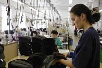 """Žen je bez práce stále mnohem více, nežli mužů. V okrese Nový Jičín jich bylo v srpnu bez práce 3242, mužů """"jen"""" 2496."""