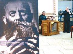 Výstavu Dům v zahradě páně do nedávna hostil kostel sv. Josefa ve Fulneku. Osudy kláštera nyní popíše také připravovaná stejnojmenná kniha.