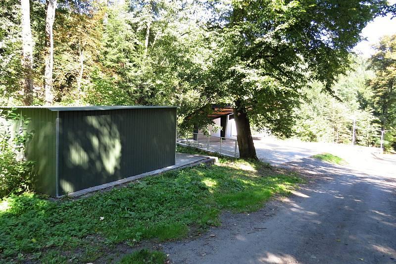Skalní sklepy v Odrách se po létech chátrání staly důstojným místem.