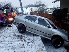 Zásah hasičů u nehody ve Fulneku.