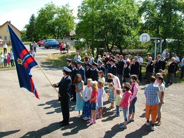 Janovičtí hasiči slavili sté výročí.