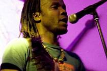Spojení afropopu a reggae přijede představit kapela The Warriors s multiinstrumentalistou Prince Alfredem z Konga v čele.