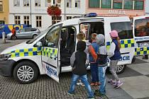 Městská police v Bílovci seznamuje se svou činností širokou veřejnost.