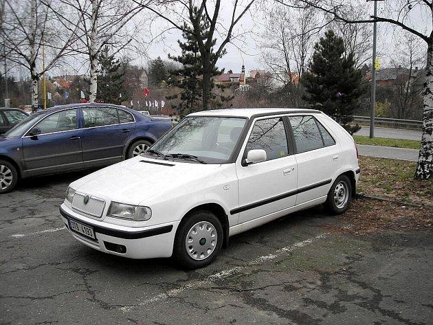 Škoda Felicia s registrační značkou 3T9 4193, kterou ukradl v Novém Jičíně neznámý pachatel.