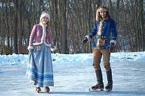 Zuzana Žáková (princezna) a Jakub Jablonský (princ) při prvních záběrech natáčení československé filmové pohádky Když draka bolí hlava.