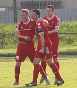 Novojičínský kapitán Martin Švec (uprostřed) se gólem a asistencí podílel na výhře proti B týmu prvoligové Opavy. Foto: