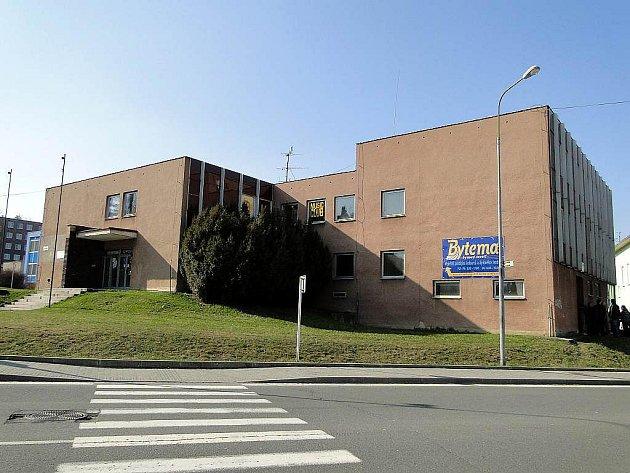 Budova kdysi tolik oblíbeného J-klubu v Novém Jičíně.