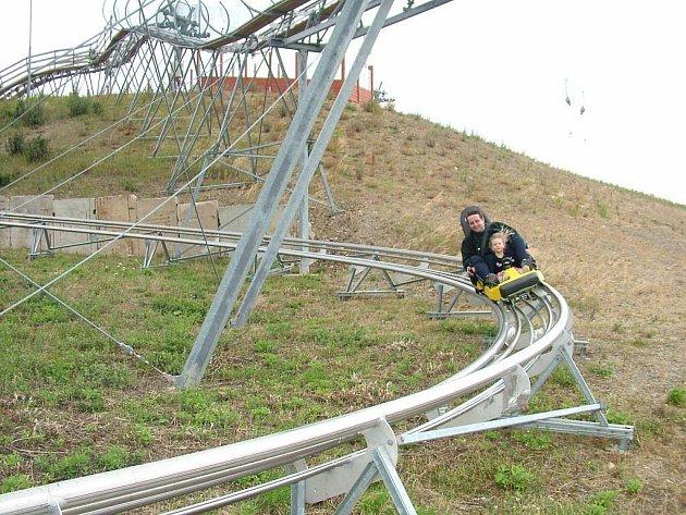 Skoro kilometr dlouhá bobová dráha v Tošovicích, místní části Oder stále láká mnoho návštěvníků.