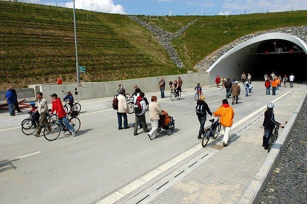 V Klimkovicích slavili, že už mají dálnici.