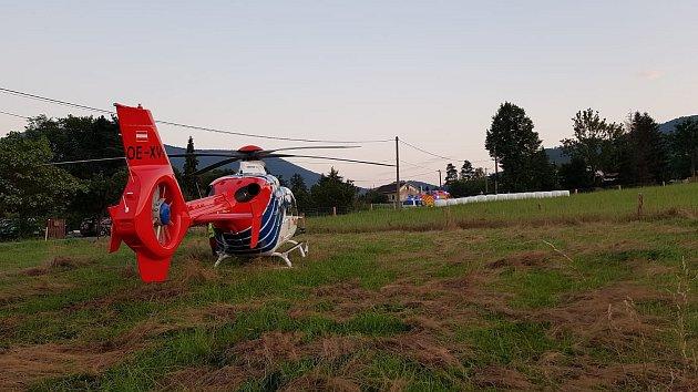 Tragicky skončila havárie motocyklisty ve Frenštátě pod Radhoštěm. Vrtulník letěl na místo zbytečně - motocyklista nepřežil.
