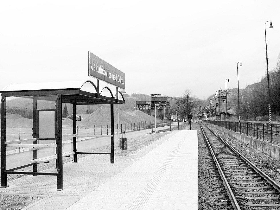 Nová vlaková zastávka v Jakubčovicích nad Odrou, už je několik dnů v běžném provozu.