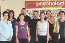Odborní vyučující ze zdravotnické sekce Mendelovy střední školy v Novém Jičíně mají za sebou kurz sebeobrany.
