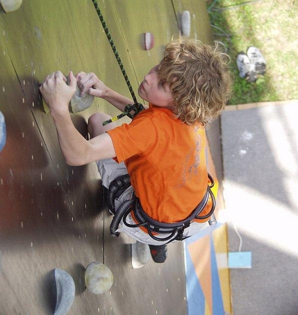 Příborský zvon přilákal mladé lezce.