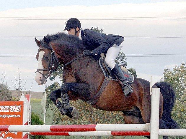 Vítěz Memoriálu Ericha Režnara, polský jezde Tomaszs Kumorek na koni Sir Robin.