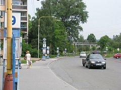 Dočasná autobusová stanoviště jsou už několik dní přesunuta na ulici Nádražní a Štefánikovu.