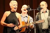 Štramberské publikum dostane možnost ocenit úžasný hlas Ireny Budweiserové, zpěvačky kapely Spiritual Kvintet. Ta do města zvítá v rámci cyklu koncertních vystoupení Hvězdy nad moravským Betlémem.