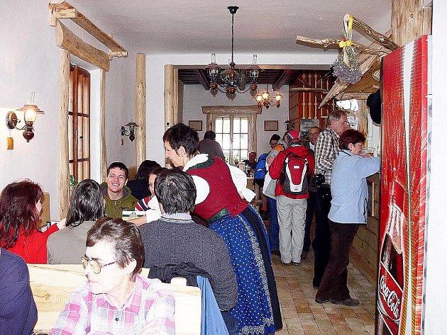 Chata  je pro návštěvníky otevřena celoročně.