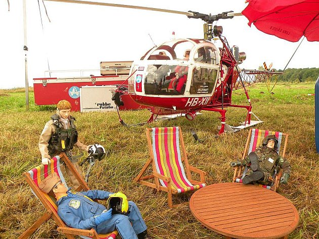Zmenšený model skutečného vrtulníku se stal objektem obdivu návštěvníků akce FunFly, tedy 4. setkání RC vrtulníků na severní Moravě.