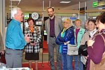 Od pátku 7. března je ve vestibulu kopřivnické radnice k vidění výstava  Třicet let trvání pěší turistiky seniorů.