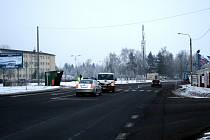 V úterý 1. února okolo půl šesté ráno byla sražena autem čtyřiapadesátiletá žena v Mošnově. Ženu z Kopřivnicka srazila dodávka ve chvíli, když se snažila přejít silnici u místního autobazaru.