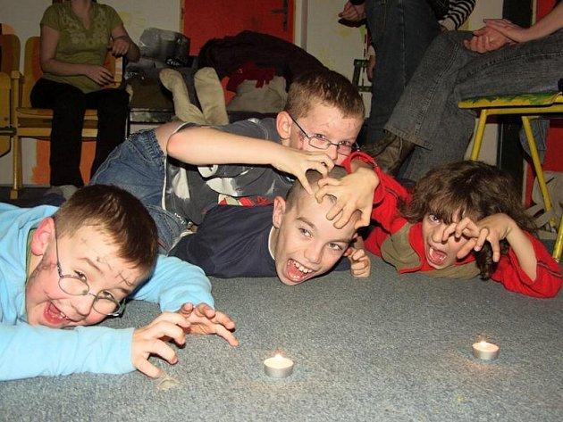 Akci novojičínského Střediska volného času Fokus ocenili především samotní aktéři. Děti hodnotily strašidelný večer jako příjemné zpestření všedního dne.