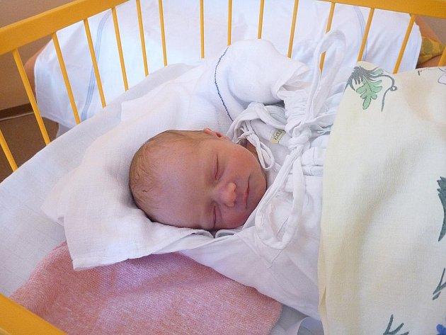 Adriana Šimčíková, Hostašovice, nar. 4. 10. 2011, 49 cm, 2,85 kg, nemocnice Nový Jičín.