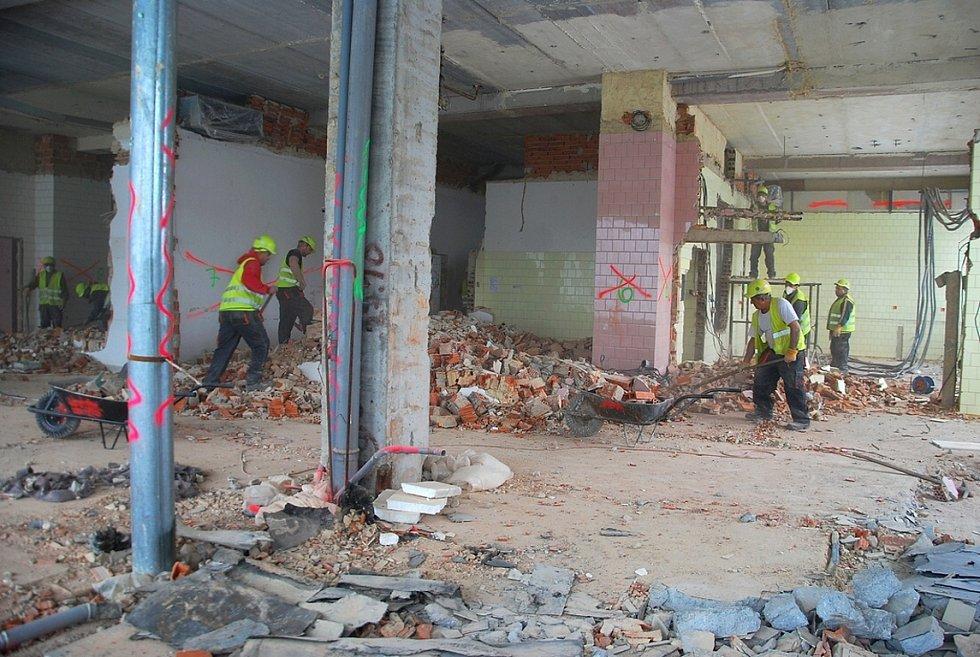 Zahájení kompletní rekonstrukce operačních sálů novojičínské nemocnice.