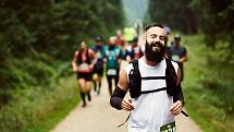 Sportující běžci. Ilustrační snímek.