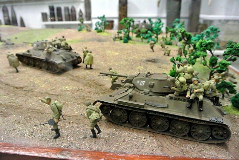 Nejen milovníci letadel se sešli v sobotu 19. prosince v leteckém muzeu v Suchdole nad Odrou.  Důvodem setkání bylo připomenutí si výročí největší letecké bitvy druhé světové války, která se rozhořela na nebi Moravy a Slezska 17. prosince 1944.
