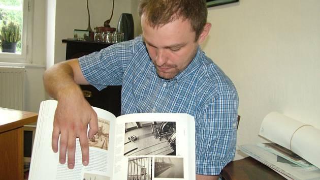 Snímek koupaliště z Nového Jičína, pořízený v počátku 30. let, figuruje v publikaci Foto – Modernity in Cetral Europe a je vystavený i ve washingtonské národní galeriii.