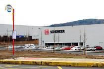 V průmyslové zóně v Novém Jičíně začala působit další mezinárodní firma. Své zázemí zde našla mezinárodní logistická společnost DB Schenker.