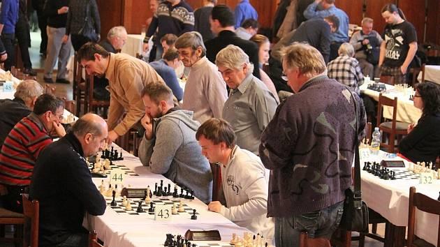 V Bílovci se sjel rekordní počet, 132, šachistů k sobotnímu novoročnímu turnaji.