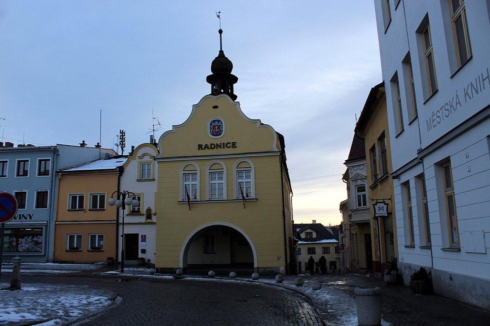 Bílovec letos slaví 700 let od svého vzniku. Město má šest místních částí - Bravinné, Lhotku, Lubojaty, Ohradu, Starou Ves a Výškovice. Od roku 2003 je Bílovec obcí s rozšířenou působností do jejíž správního obvodu spadá také město Studénka a 11 obcí.