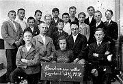 Účastníci poradny pro volbu povolání na společné fotografii z 24. června 1937.