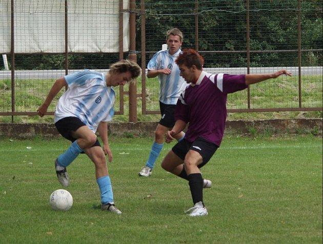 Na dvou hřištích ve Skotnici a Mošnově bojovali fotbalisté o Junior Footbal Cup 2007.