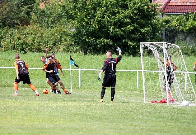 Druhý ročník fotbalového turnaje konaného na počest tří bývalých hráčů se uskutečnil o víkendu v Odrách.