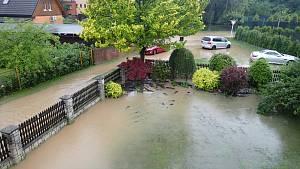 Hasiči Kopřivnice povodně utržený svah