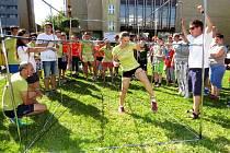 Další ročník Lašských her se uskutečnil v sobotu 18. června v centru Kopřivnice. Mezi sebou se opět utkali v netradičních disciplínách zástupci Kopřivnice, Příbora, Štramberku a Hukvald.