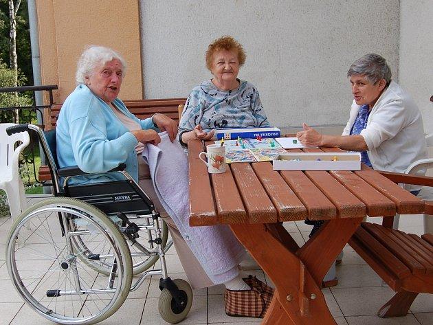 Obyvatelé bíloveckého domova se cítí příjemně. Foto: bíloveckého domova se cítí příjemně.