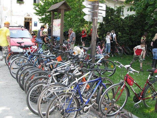 Čím dál více lidí vyráží o víkendech a svátcích na kole. I Novojičínsko se tak řadí k regionům, kde je cykloturistika oblíbená.