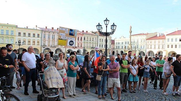Demonstrace proti Marii Benešové a Andreji Babišovi v Novém Jičíně