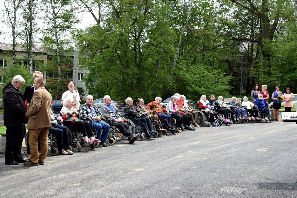 Dlouho očekávaná modernizace domova pro seniory je u konce. Klientům nabízí nové služby, větší komfort i pohodlí